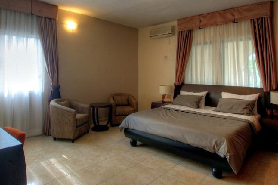 Amara Suites: Apartment Baobab - Spacious Master Bedroom with imported hotel quality linen