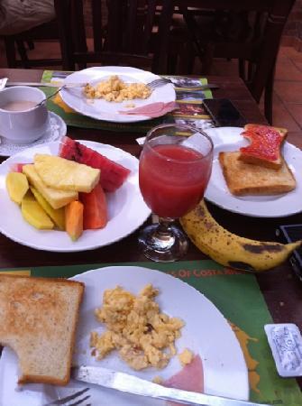Hotel Rincon de San Jose: Ontbijt bij rincon de san José! Het is heel goed: het rode fruitsap is heel erg lekker!