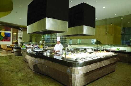 Beach Palace: Restaurant