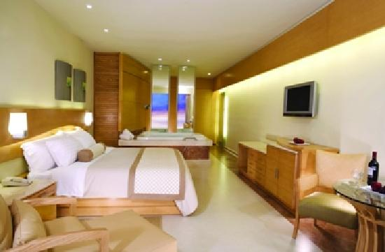 Beach Palace: Room