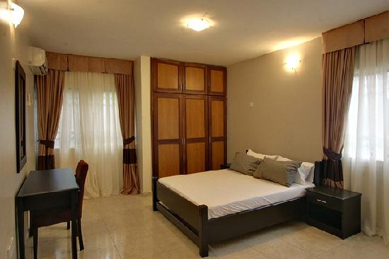 Amara Suites: Apartment Amina - Spacious Master Bedroom with imported hotel quality linen