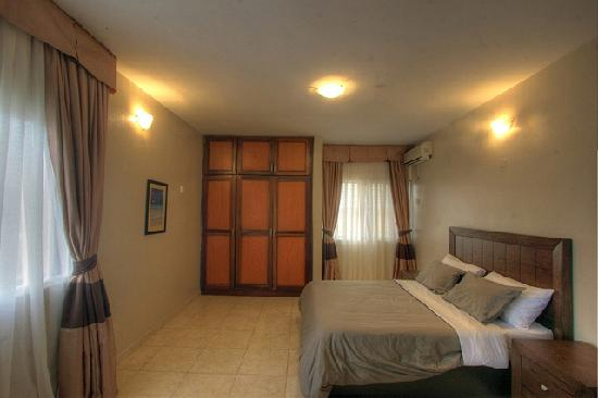 Amara Suites: Apartment Baobab - Comfortable Guest Bedroom, get used to it your guests are never leaving