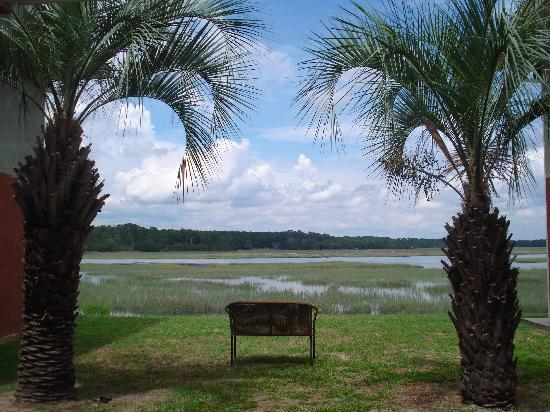 Howard Johnson Inn Beaufort/Parris Island: marsh view