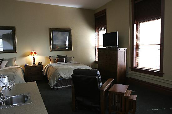 Tremont Inn On Main : No more sleepless nights at Tremont Inn