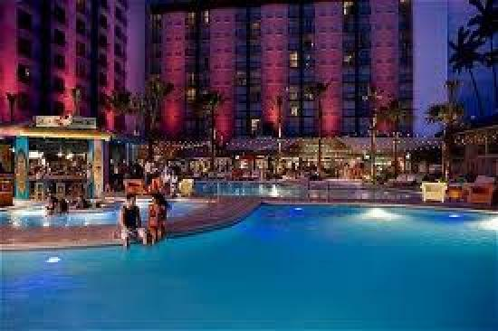 Hooters Casino Hotel: The pool