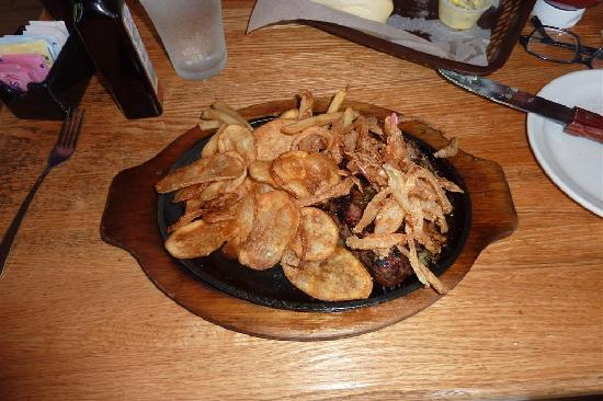 Logan's Roadhouse: Steak, chips, and fries