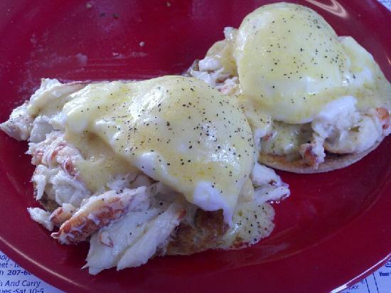 Martha's Diner : Crab Eggs Benedict