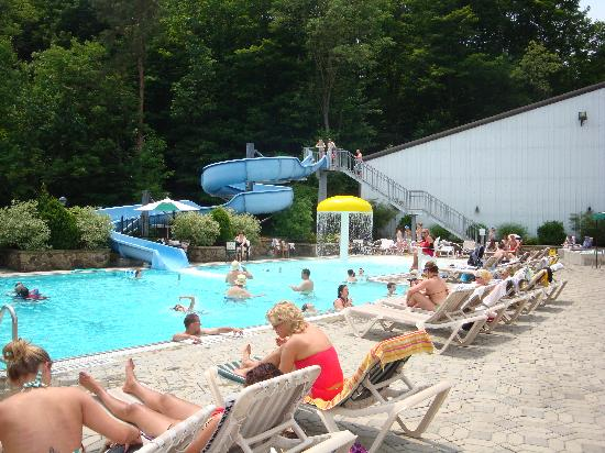 The Inn at the Peak: Outdoor Pool