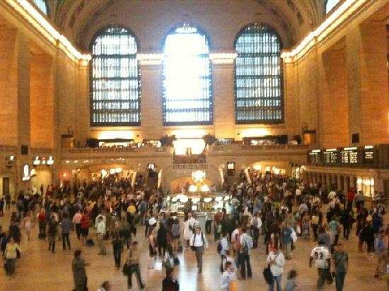 Grand Tour of New York: I was lost in this super busy Grand Central Terminal