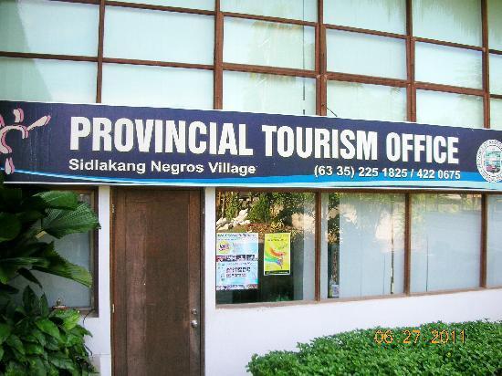 Dumaguete City, Filipinler: beside the main showroom