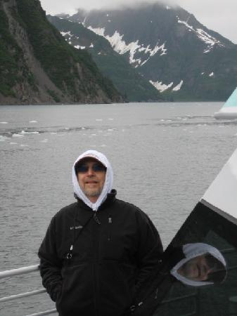 Kenai Fjords Tours: It's COLD outside