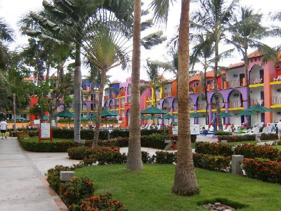 Royal Decameron Complex: nice hotel