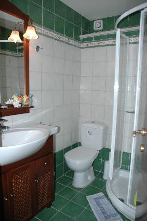 Fissi Villas: bathroom