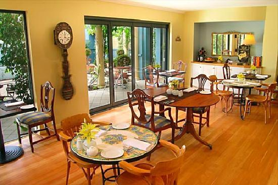 Beach House at Bayside: Guest Dining - Gourmet Breakfast included in all rates