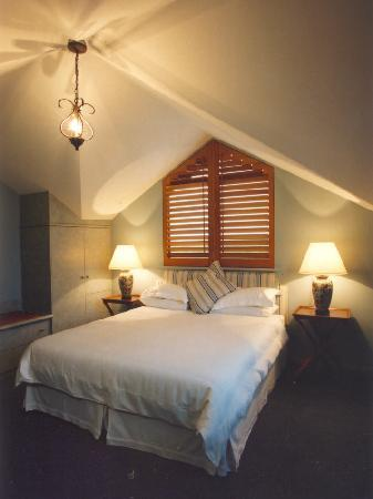 Beach House at Bayside: Garden Suite Bedroom (upstairs)