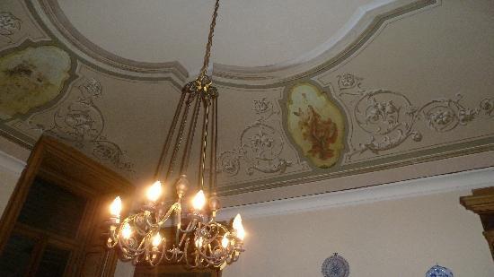 Villa Cavadini Relais: One of the beautiful ceilings at Villa Cavadini