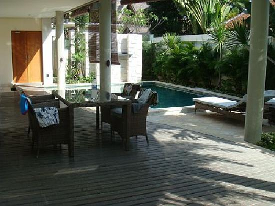 The Residence Seminyak: Pool