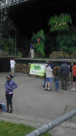 Oregon Zoo: Nice and short outdoor presentation