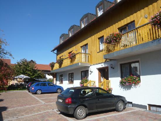 Hotel Fleischmann: Nebengebäude