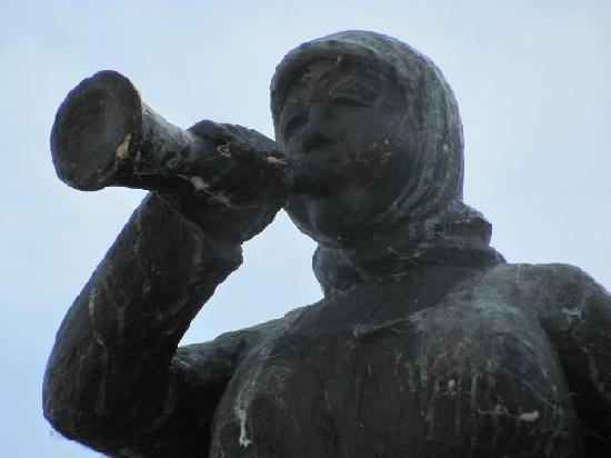 Kornmarkt mit Kornmarktbrunnen: Probeck Marie detail