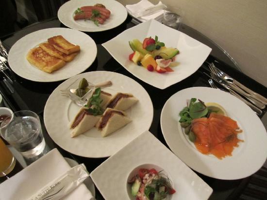 Hotel La Suite Kobe Harborland: ルームサービス。美味しかったです。