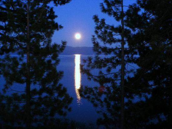 Full Moon Over Lake Tahoe - Picture of Tahoe City, Lake ...