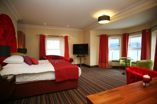 The Whistledown Hotel: Enjoy a relaxing stay
