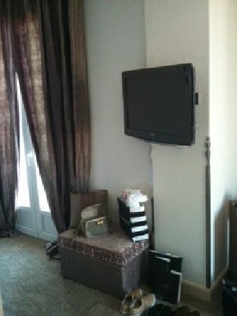 Hotel La Perouse: TV