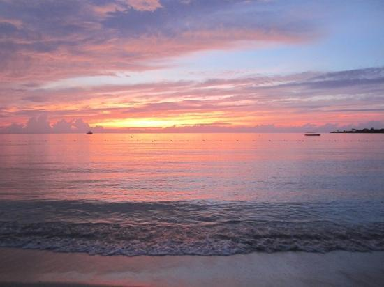 Couples Negril : beautiful sunset at CN