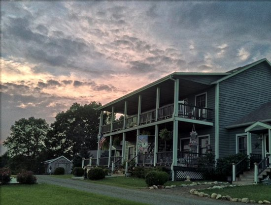 Inn at Orchard Gap: The Inn