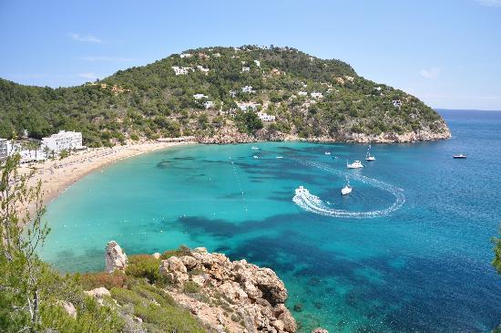 Veraclub Ibiza: la vista dalla strada.....cala san vicente..