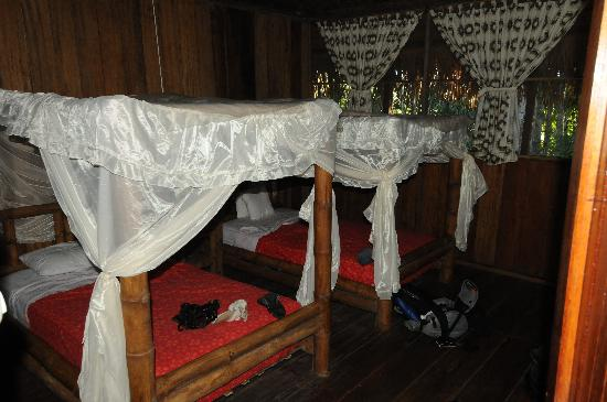 Siona Lodge: inside hut