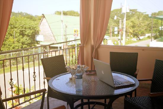 Hotel La Terrazza B&B: balcony/vacay office