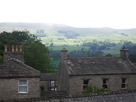 Hawes, UK : Fell view (Seen from window)