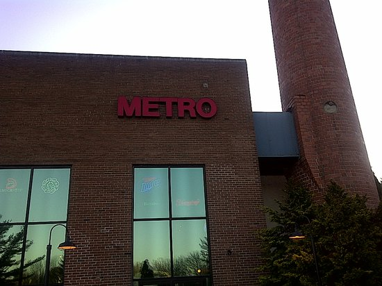 Metro Bar and Grill : The Award-Winning Metro Bar & Grill