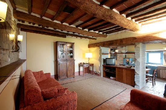 Casali in Val di Chio by Famiglia Buccelletti: sala S.Martino