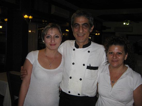 Romantica Restaurant: Bambos and staff