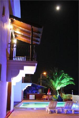 Кас, Турция: Kas Antalya - Ekinoks apart hotel night view