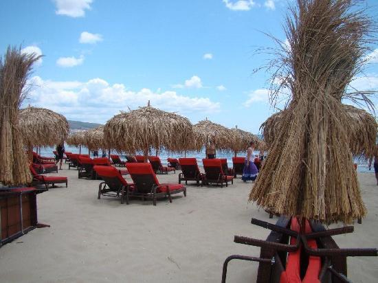 Heaven: Beach outside hotel