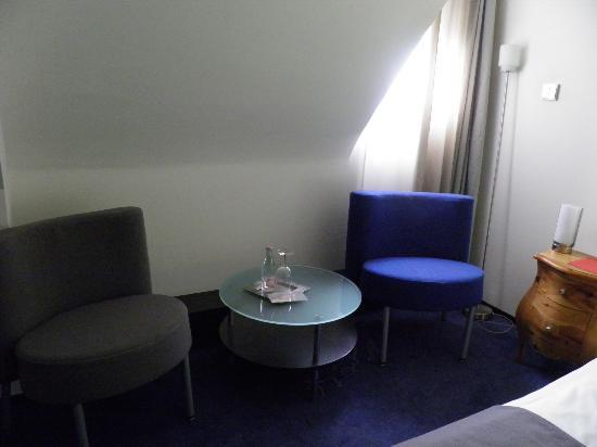 Hotel du Theatre by Fassbind: Cozy sitting area