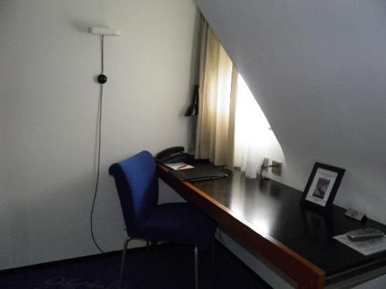 Hotel du Theatre: Functional study area
