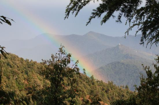 Binsar, Indie: Greeted by our first Rainbow...
