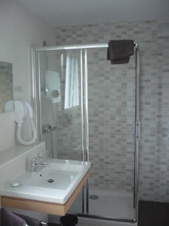Hotel Villa Goxoa : la salle de bain