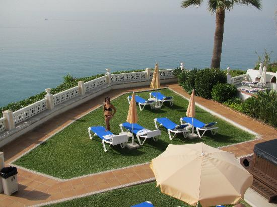 Hotel Paraiso del Mar: Room looking onto a terrace and sea beyond