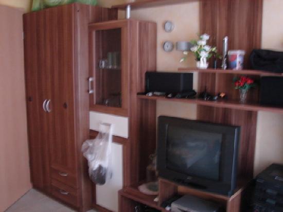 Kleiderschrank Und Wohnwand Picture Of Ferienwohnungen Gebruder