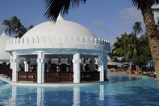 Southern Palms Beach Resort: Poolarea