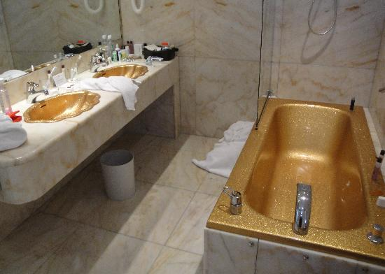 Gold sinks and bathtub in our bathroom - Picture of Hotel Negresco ...