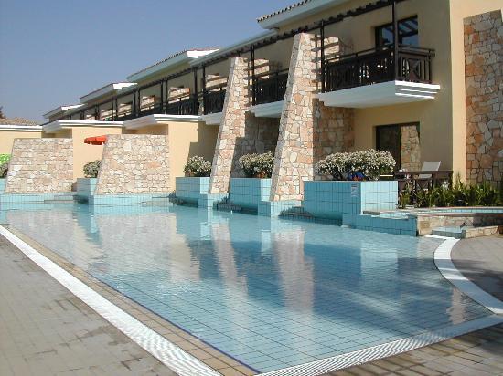 Atlantica Aeneas Hotel: Swim up rooms