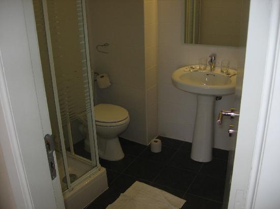 ลีโอนาร์โด โฮเต็ล แอนท์เวอร์เพ็น: Bathroom