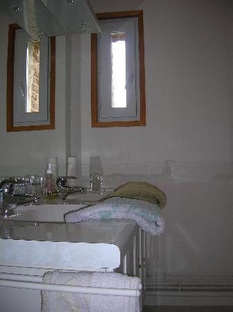 La Ferme du Colombier : salle de bain ch. verte
